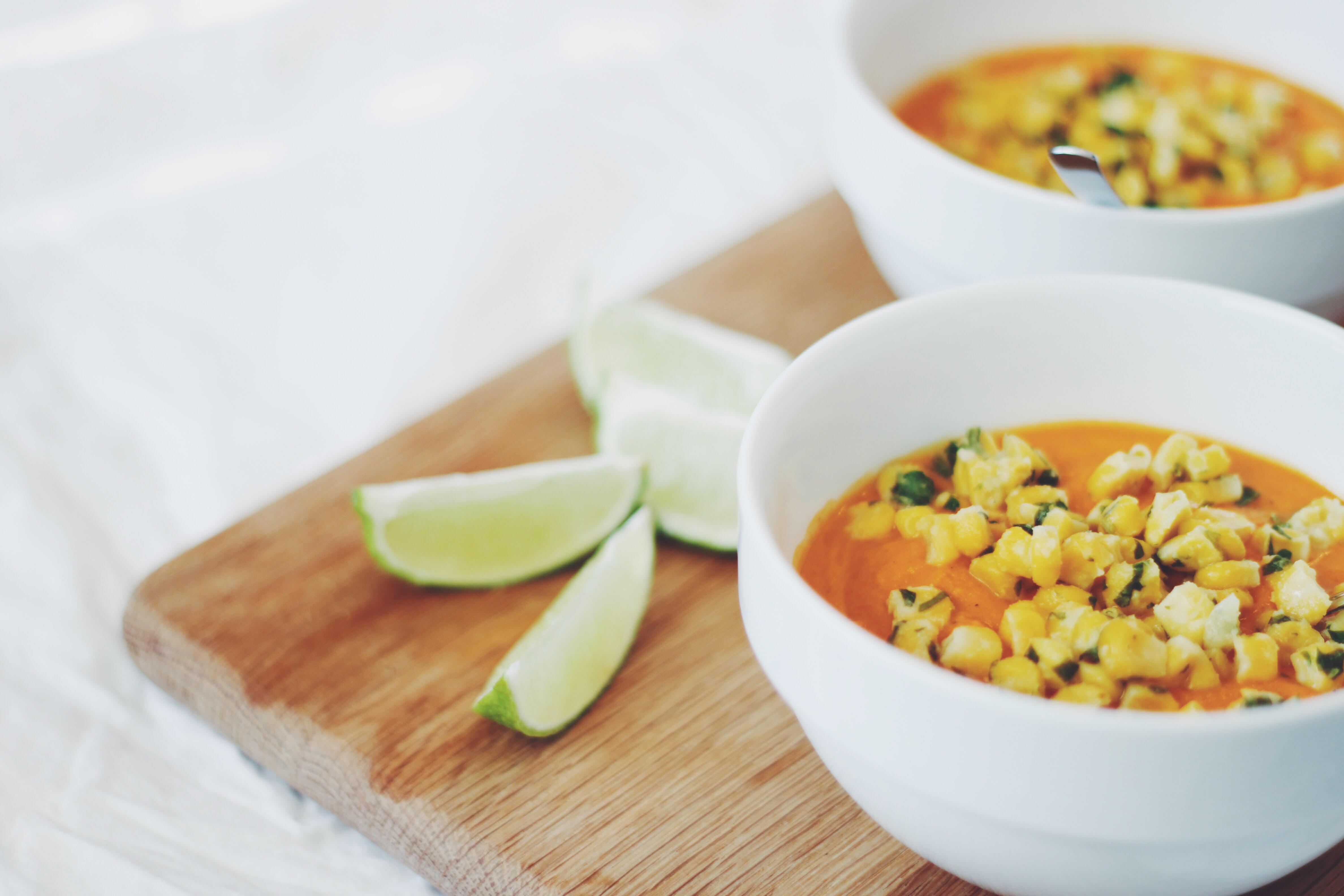 Morotssoppa med tomat och kokos